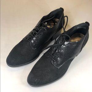 [226] Gloria Vanderbilt  Lace-up Shoes, Size 8 1/2